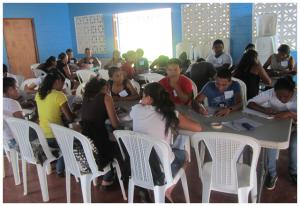 Becarios participando en el programa de preparación universitaria. Foto cortesía de Gocare