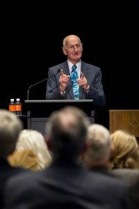 Ex presidente de Rotary International Bill Boyd en La Cumbre Mundial del Agua de 2014 en Sydney, Australia. Foto  cortesía de Monika Lozinska/RI