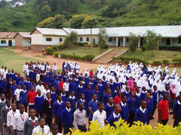 Equipo de capacitación profesional busca empoderar a maestros en Tanzania